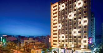 西贡机场宜必思酒店 - 胡志明市 - 建筑