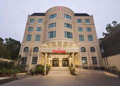 贾朗达尔市中心温德姆华美达酒店 - 贾朗达尔 - 建筑
