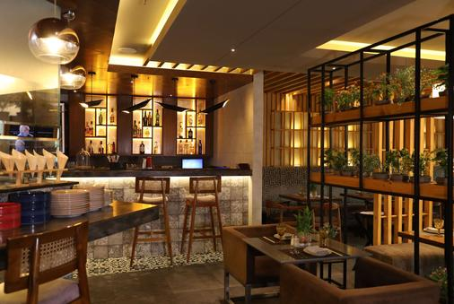 贾朗达尔市中心华美达酒店 - 賈朗達爾 - 酒吧