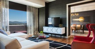凤凰城市景金普顿帕洛玛酒店 - 凤凰城 - 客厅