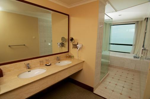 格尼度假酒店及公寓 - 乔治敦 - 浴室