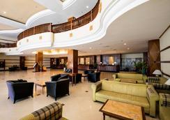 格尼度假酒店及公寓 - 乔治敦 - 大厅