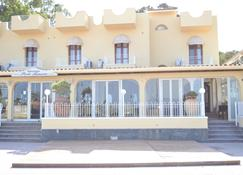 淡蓝港餐厅酒店 - 贾迪尼-纳克索斯 - 建筑