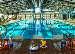 蒙得维的亚维多利亚广场雷迪森酒店 - 蒙得维的亚 - 游泳池