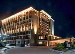 甲米地月桂叶酒店 - 吉诺尔桑叠纪 - 建筑