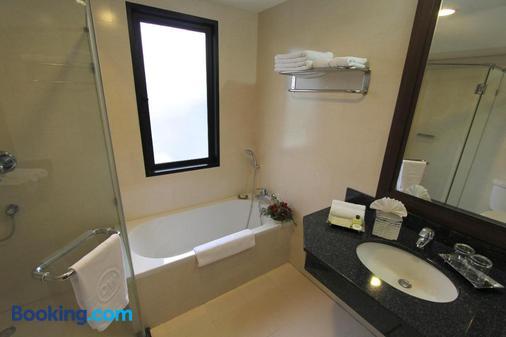 曼谷达尔文酒店 - 曼谷 - 浴室