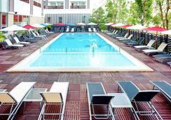 芭堤雅宜必思酒店 - 芭堤雅 - 游泳池