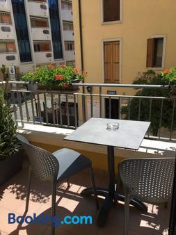威尼斯别墅酒店 - 格拉多 - 阳台