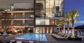 温哥华太平洋边际费尔蒙酒店 - 温哥华 - 游泳池