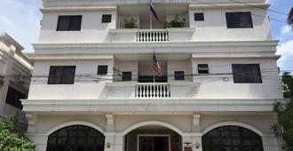埃尔哈希恩德罗私人酒店 - 伊洛伊洛