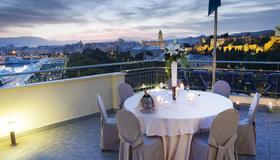 Ms马拉加马斯特兰扎酒店 - 马拉加 - 阳台