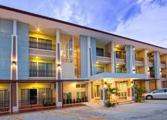 塔坎他普莱斯公寓式酒店 - 乌隆 - 建筑