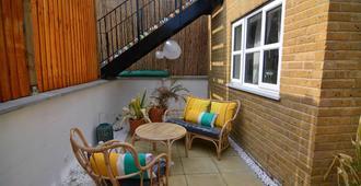 马卡雷纳码头公寓酒店 - 伦敦 - 露台