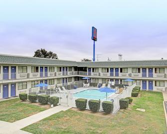 德克萨斯圣马科斯 6 号汽车旅馆 - 圣马科斯 - 建筑