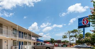 6号维多利亚汽车旅馆 - 维多利亚(德克萨斯州)