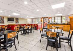 奥兰多机场质量酒店 - 奥兰多 - 餐馆