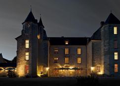马卡伊城堡酒店 - 希农 - 建筑