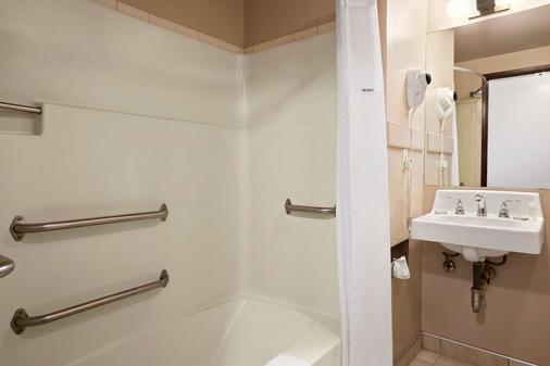 科达伦速8旅馆 - 科达伦 - 浴室