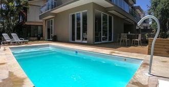 巴尔布罗奇旅馆 - 弗洛里亚诺波利斯 - 游泳池