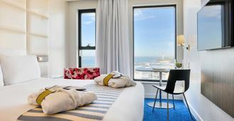 比亚里茨海滨总统美居酒店 - 比亚里茨 - 睡房