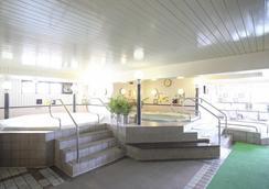 卢摩尔广场桑拿胶囊旅馆 - 京都 - 水疗中心