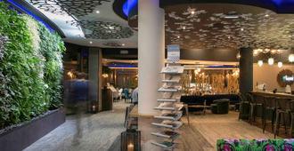 波尔多机场美居酒店 - 梅里尼亚克