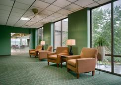 最佳西方Plus兰丁景观套房旅馆 - 布兰森 - 大厅