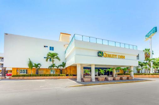马萨特兰品质酒店 - 马萨特兰 - 建筑