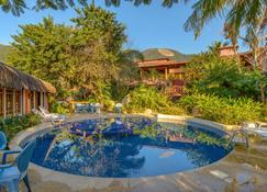 伊利亚贝拉德国海滩酒店 - 伊利亚贝拉 - 游泳池