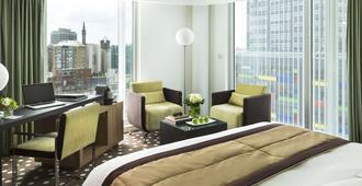 里尔巴里亚酒店 - 里尔 - 睡房