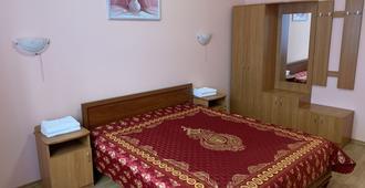 兹托密斯卡旅馆 - 基辅 - 睡房