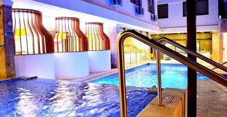 里维埃拉酒店 - 圣玛尔塔 - 游泳池