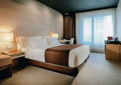 毕尔巴鄂霍斯波利亚酒店 - 毕尔巴鄂 - 睡房