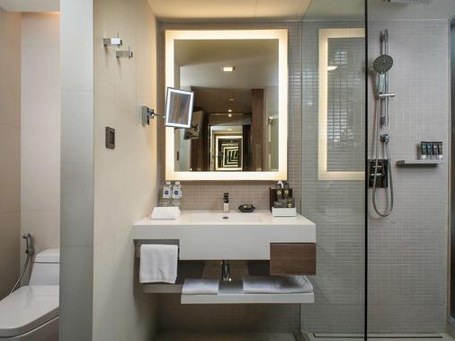 皇家园景酒店 - 曼谷 - 浴室