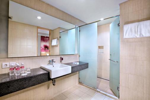 巴刹巴鲁瑷玛最爱酒店 - 雅加达 - 浴室