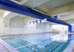 木图奥拉海滩俱乐部观景大酒店 - 阿尔布费拉 - 游泳池
