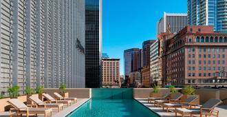 威斯汀凤凰城市中心酒店 - 凤凰城 - 游泳池