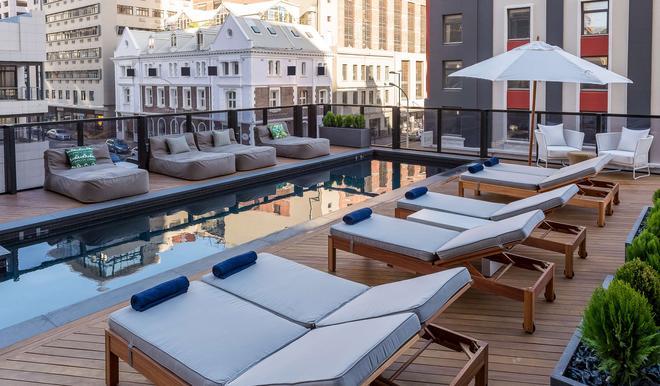 开普敦雷迪森布鲁酒店 - 开普敦 - 游泳池