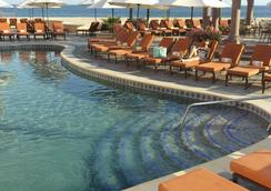 培亚大海滩度假村 - 卡波圣卢卡斯 - 游泳池