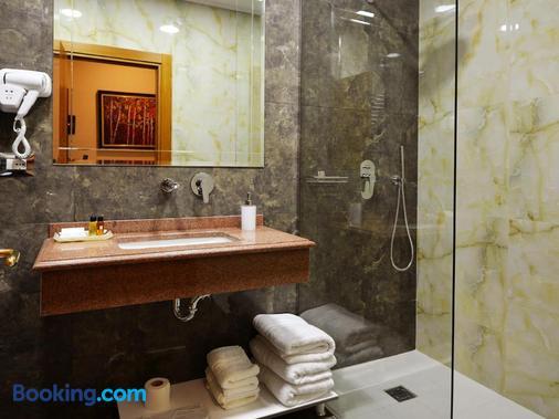 奥斯特利亚酒店 - 地拉那 - 浴室