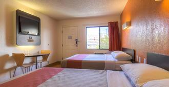 拉斯维加斯I-15 6号汽车旅馆 - 拉斯维加斯 - 睡房