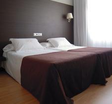 门德斯努涅斯酒店