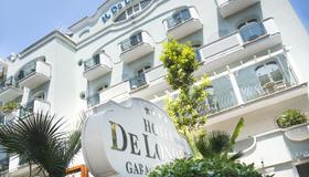 德朗德瑞斯酒店 - 里米尼 - 建筑