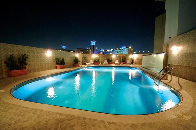 里卡地标酒店 - 迪拜 - 游泳池