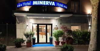 米纳瓦酒店 - 拉文纳 - 建筑