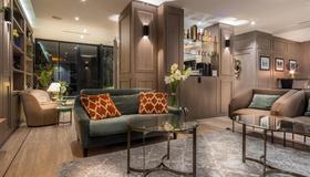 蒙帕尔纳斯沃尔多夫酒店 - 巴黎 - 大厅