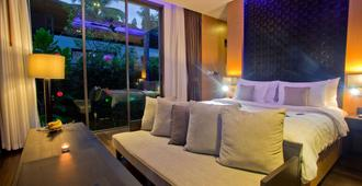 考拉华美达度假酒店 - 攀牙湾 - 睡房