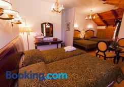 克里克尼斯套房酒店 - 约阿尼纳 - 睡房