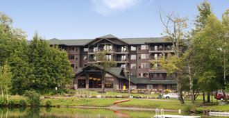 普莱西德湖汉普顿套房酒店 - 普莱西德湖 - 建筑