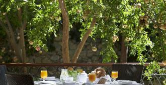 米提赛瑞比奇度假村 - 科斯镇 - 餐馆